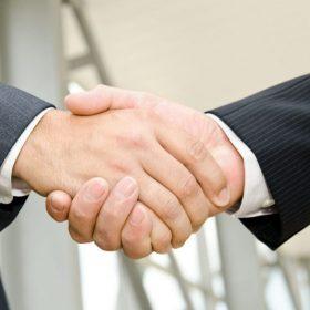 handshake.jpg.size-custom-crop.1086x0